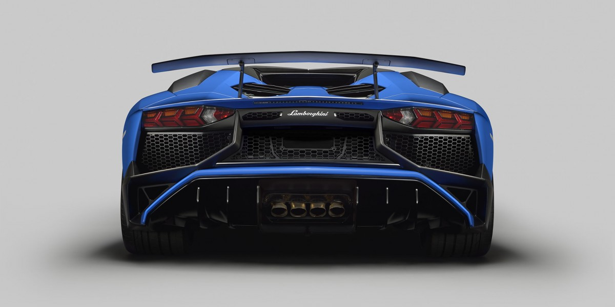 Aventador  LP 750-4 Superveloce Rear